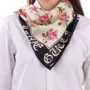 Gucci Blind For Love Floral Silk Scarf